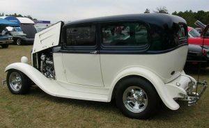 1932 Ford Sedan Sherwood & Edna Hearn